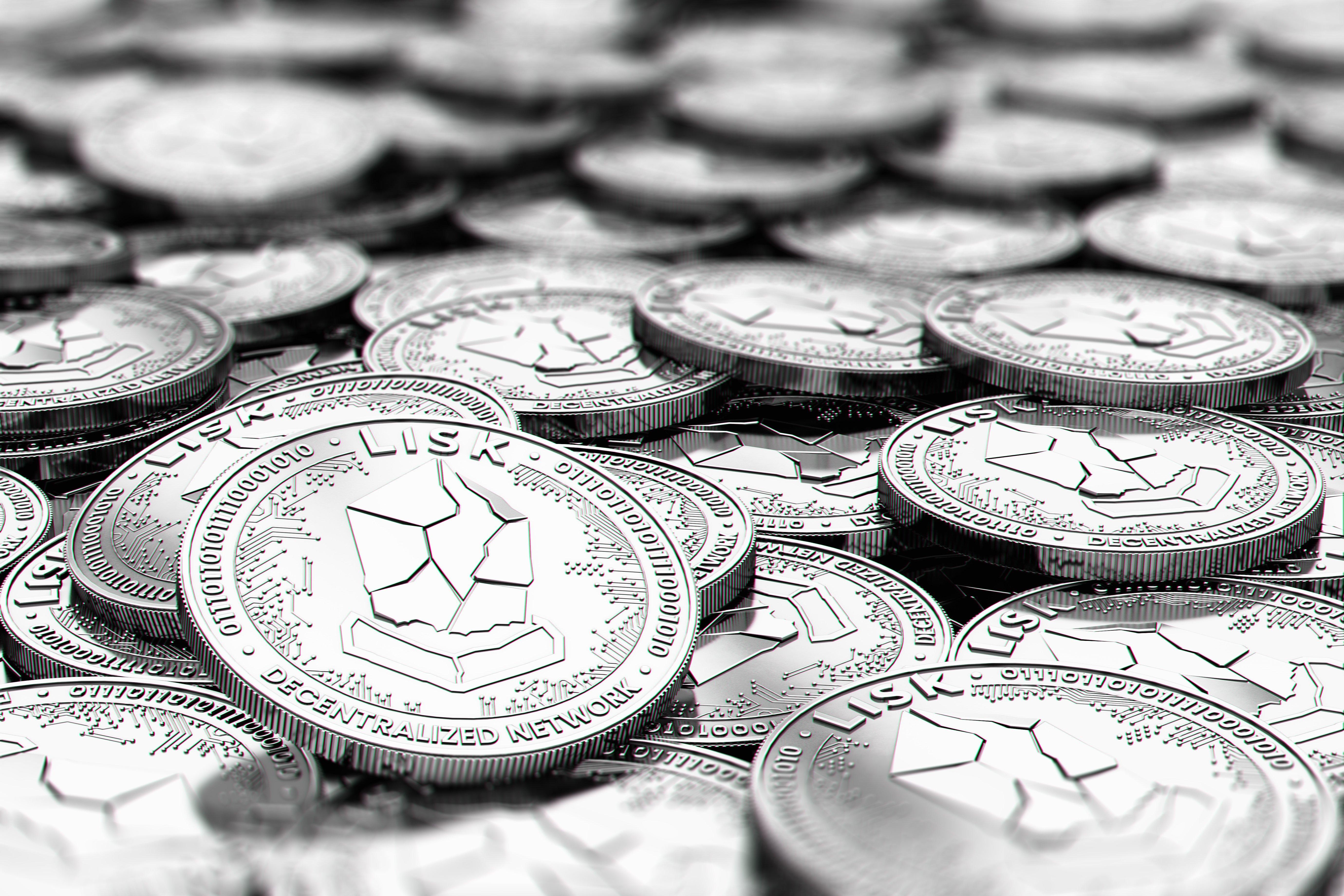 stack of silver lisk coins