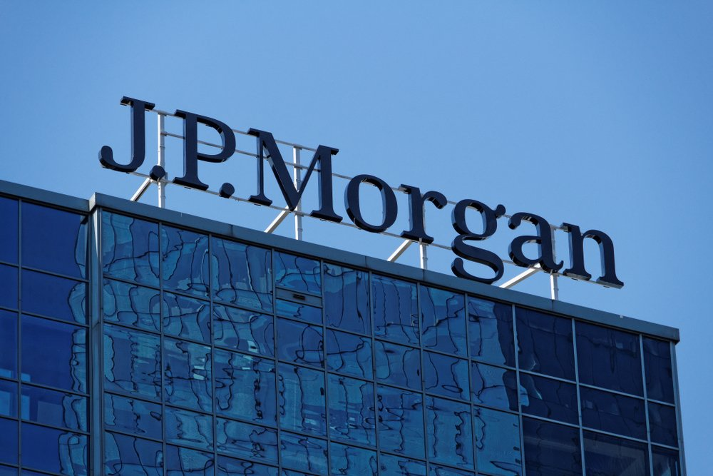 J.P. Morgan headquarters glass facade